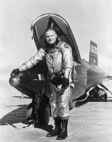 neil armstrong navy pilot - photo #10