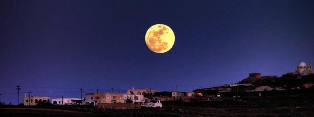 Santorini_moon2