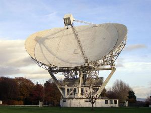 Jodrell Bank radio telescope, Cheshire (UK) [credit: Mike Peel / Wikipedia]