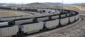 Wyoming coal trains [image credit: energycatalyzer3.com/