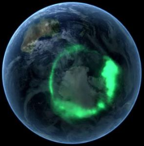 Aurora over Antarctica [image credit: spacefellowship.com]