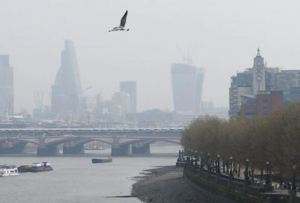 Bad air day in London [image credit: BBC]
